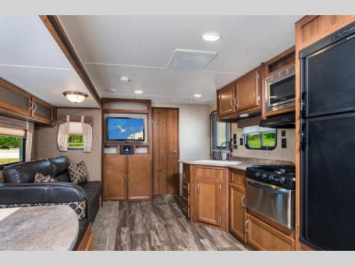 Gulfstream Conquest travel trailer Interior