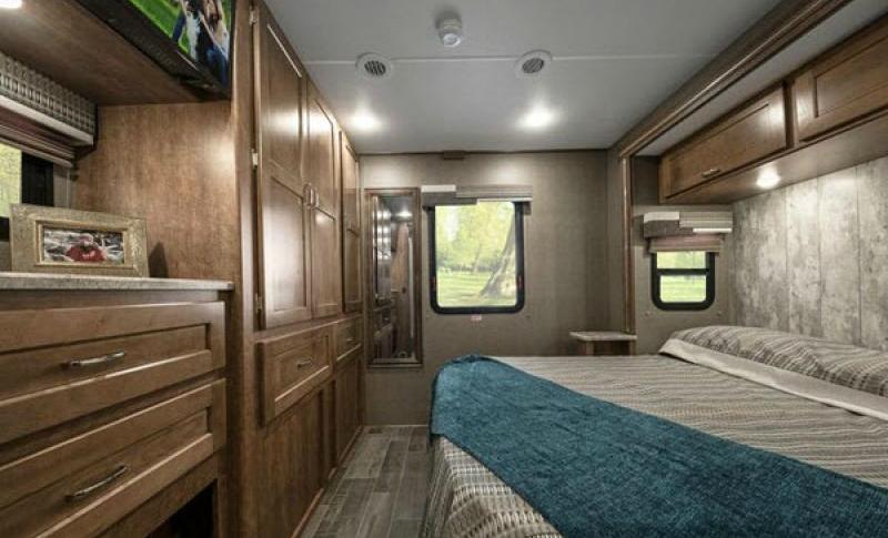 winnebago intent rv master bedroom