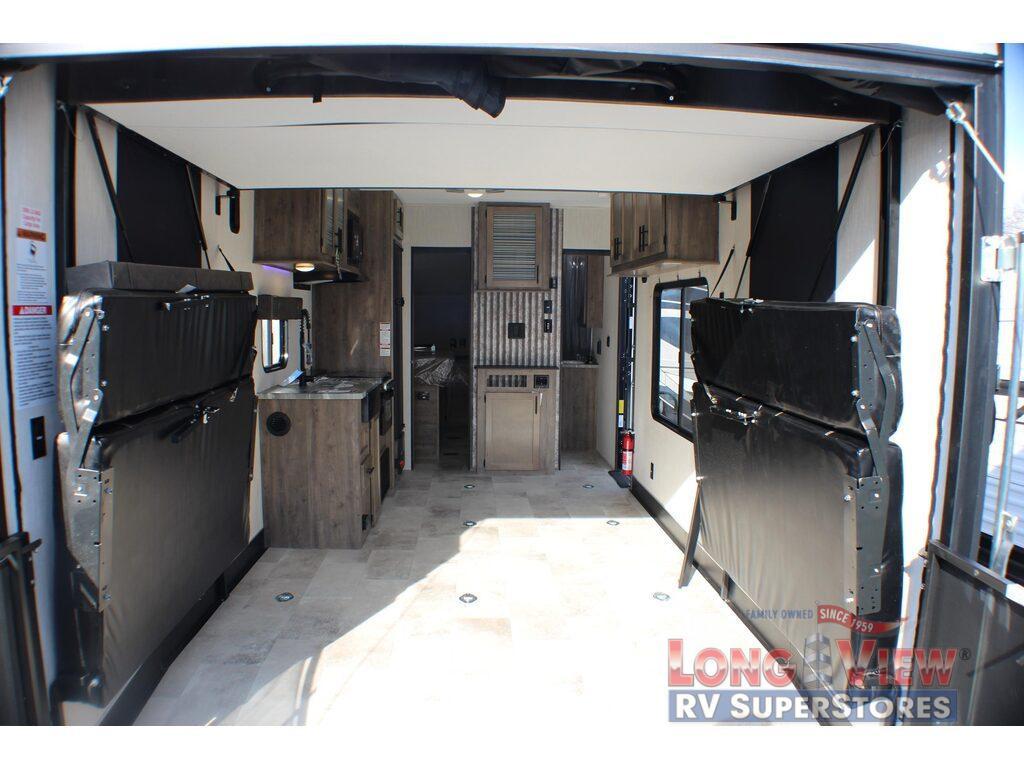 Vengeance travel trailer garage