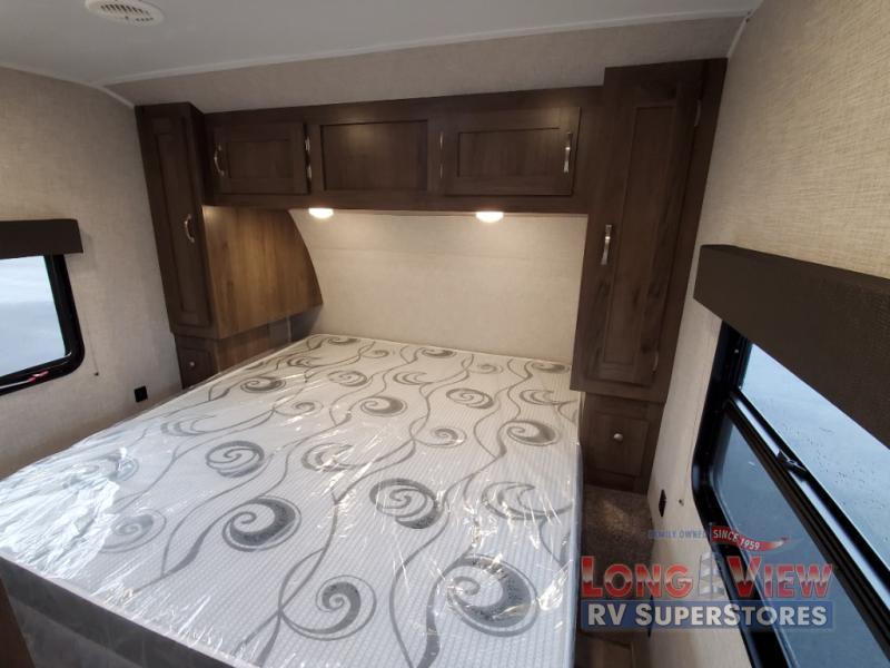 Della Terra Bedroom